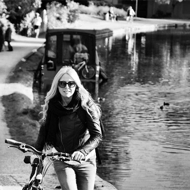 bikepretty, bike pretty, cycle style, cycle chic, bike model, bike fashion, cute bike, instagram, girl and a bike, black and white