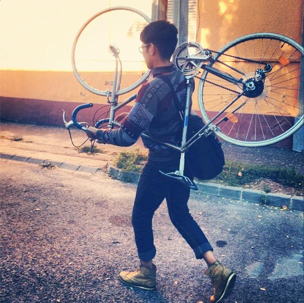 bikepretty, bike pretty, cycle style, cycle chic, bike model, bike fashion, cute bike, instagram, hipster sweater, wear your bike