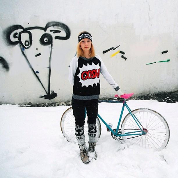 bikepretty, bike pretty, cycle style, cycle chic, bike model, girl on bike, bike fashion, bicycle fashion, bicycle fashion blog, cute bike, vintage, girls on bikes, model on bike, street style, snow bike