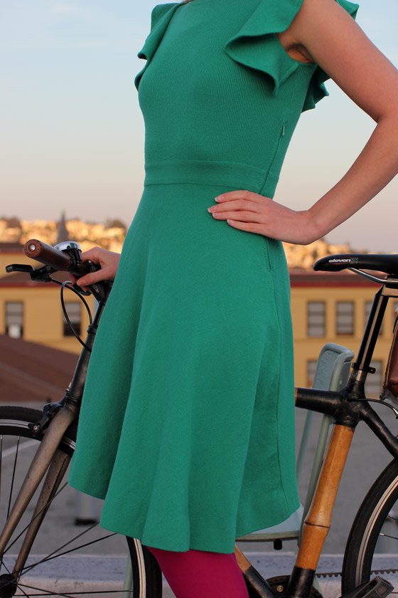 bikepretty, bike pretty, cycle style, cycle chic, bike model, girl on bike, bike fashion, bicycle fashion, bicycle fashion blog, cute bike, girls on bikes, model on bike, bike girls cute, emerald, st patricks day, outfit of the day