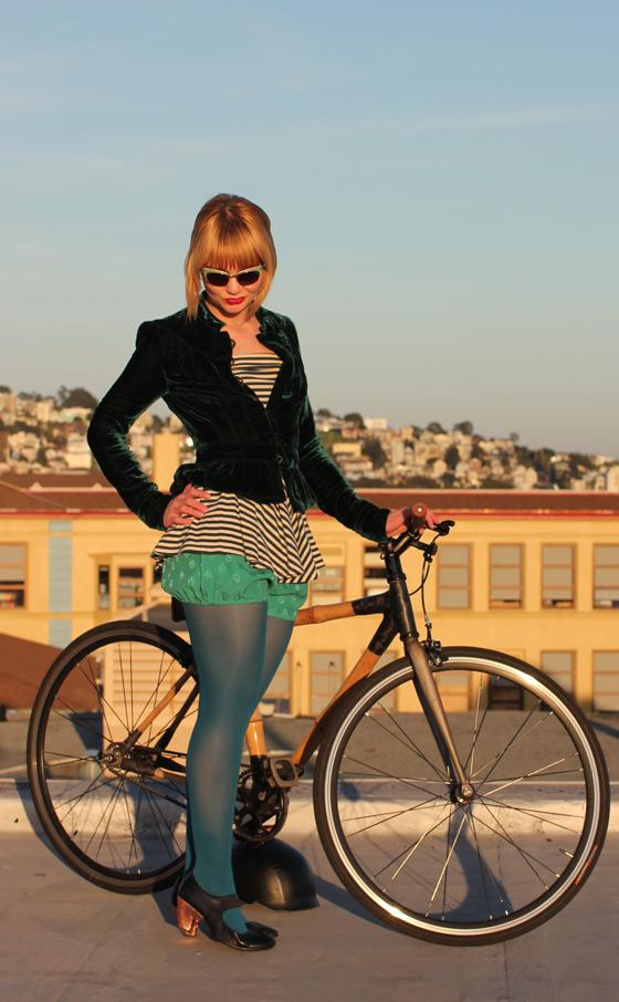 bloomers, bikepretty, bike pretty, cycle style, cycle chic, bike model, girl on bike, bike fashion, bicycle fashion, bicycle fashion blog, honey cooler handmade, girls on bikes, model on bike, bike girls cute, emerald, velvet, outfit of the day, silk, bloomers, girls on bikes