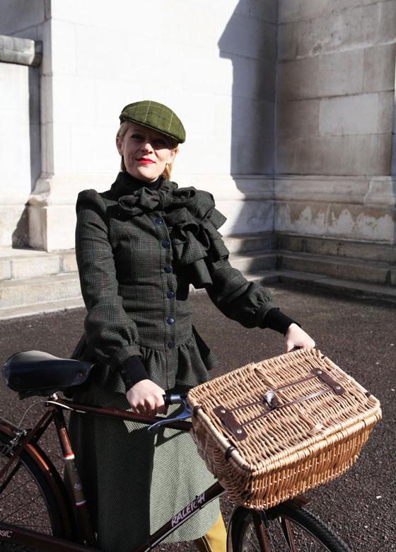 natoir at the london tweed run 2013, london tweed run, tweed ride, vintage style, london tweed, kelly miller, bike pretty, bikepretty, pretty bike, cycle style, fashion bike, bike fashion, bike chic, bike style, cycle chic, outfit ideas
