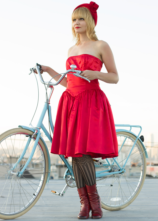 bike pretty, bikepretty, pretty bike, girls on bikes, outfit ideas, cycle style, fashion bike, bike fashion, bike chic, bike style, girl on bike, cycle chic, city bikes, papillionaire, biking in a dress, cute bikes, step through, papillionaire bikes, blue bike, bike review