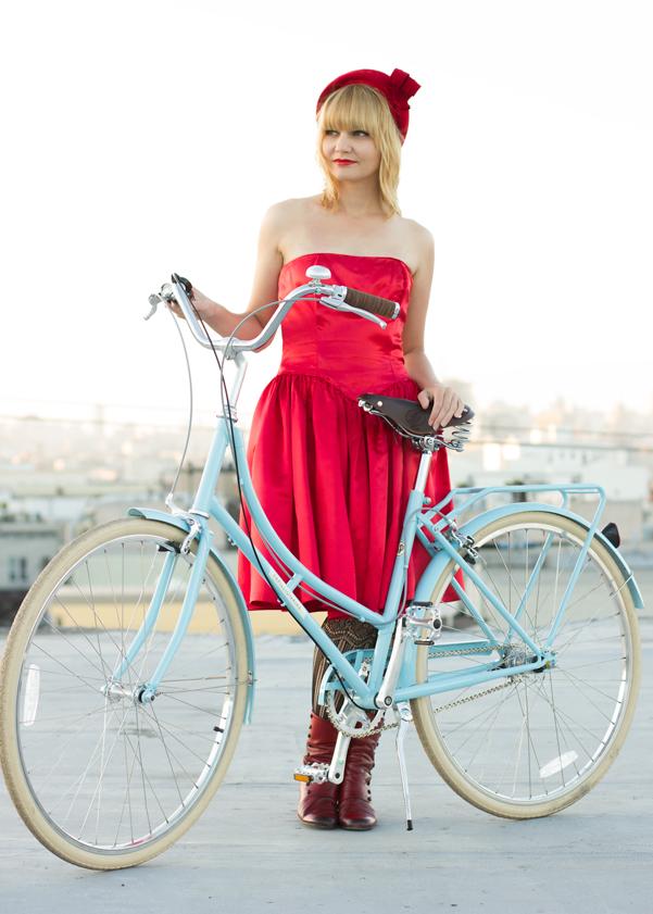 bike pretty, bikepretty, pretty bike, girls on bikes, outfit ideas, cycle style, fashion bike, bike fashion, bike chic, bike style, girl on bike, cycle chic, city bikes, papillionaire, biking in a dress, cute bikes, step through, papillionaire bikes, blue bike, bike review