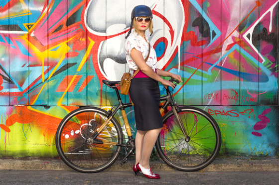bike pretty, bikepretty, pretty bike, girls on bikes, cycle style, fashion bike, bike fashion, bike chic, bike style, girl on bike, cycle chic, bike in a skirt, pencil skirt, iva jean, reveal skirt, cool bike helmet, graffiti, graffiti alley, mission, san francisco
