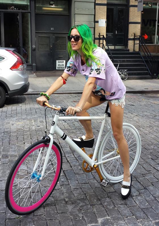 bike pretty, bikepretty, pretty bike, girls on bikes, cycle style, fashion bike, bike fashion, bike chic, bike style, cycle chic, new york fashion week, 2014, nyfw14, nyfw, street style, new york, fashion week, Chloe Norgaard