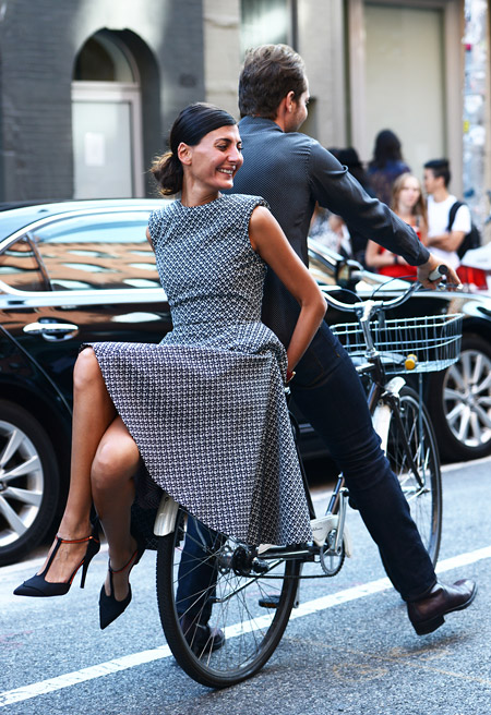 bike pretty, bikepretty, pretty bike, girls on bikes, cycle style, fashion bike, bike fashion, bike chic, bike style, cycle chic, new york fashion week, 2014, nyfw14, nyfw, street style, new york, fashion week, giovanna battaglia, Derek Blasberg