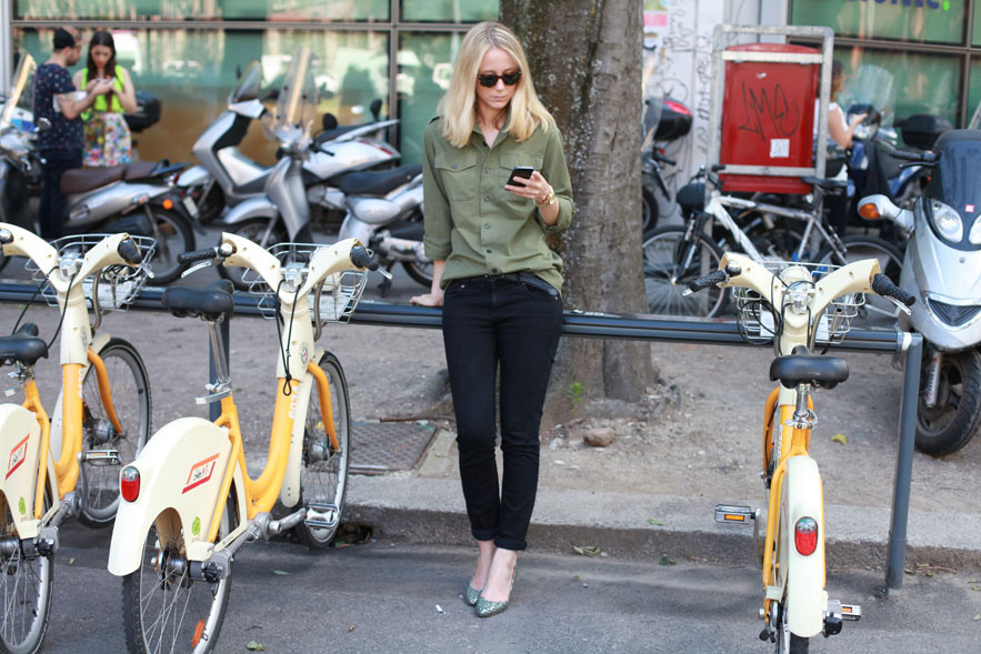 bike pretty, bikepretty, pretty bike, cycle style, fashion bike, bike fashion, bike chic, bike style, cycle chic, milan, menswear, 2014, fashion week, street style, milan bike share, Saskia Lawaks, Jennifer Neyt