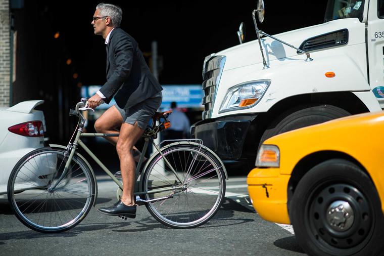 bike pretty, bikepretty, pretty bike, cycle style, fashion bike, bike fashion, bike chic, bike style, cycle chic, new york fashion week, 2014, nyfw14, nyfw, street style, new york, fashion week, man on bike, bike suit