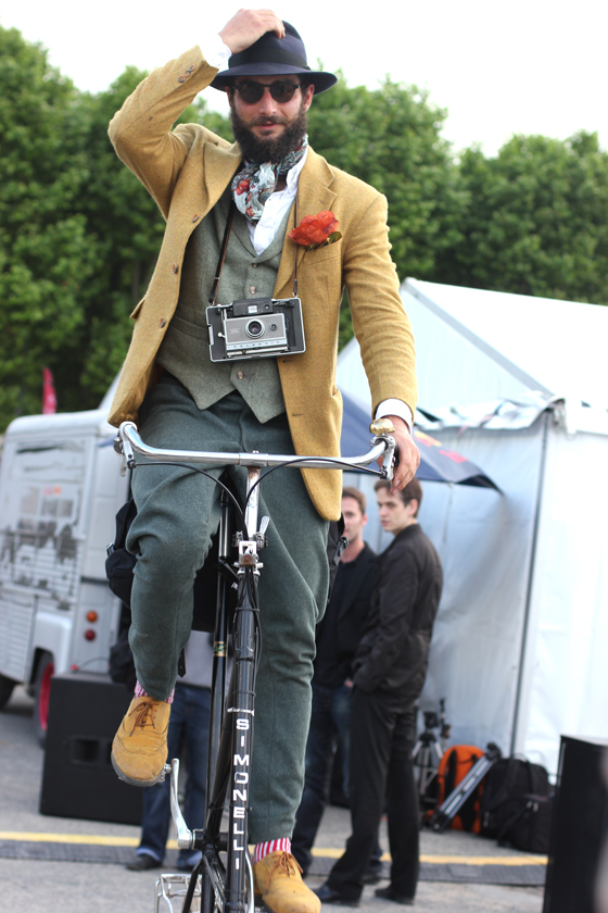 petor Georgallou, tweed, gentleman ride, tall bike, cycle style, fashion bike, bike fashion, bike chic, bike style, cycle chic, vintage bike ride, anjou velo vintage, vintage, vintage style, vintage fashion, french style, outfit ideas