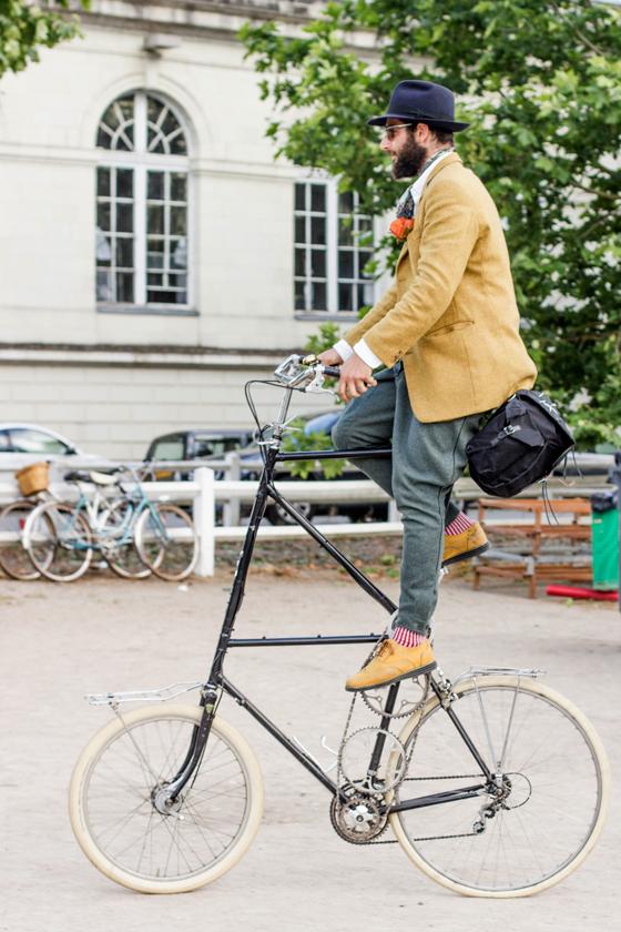 petor Georgallou, tweed, gentleman ride, tall bike, cycle style, fashion bike, bike fashion, bike chic, bike style, cycle chic, vintage bike ride, anjou velo vintage, vintage, vintage style, vintage fashion, french style, outfit ideas