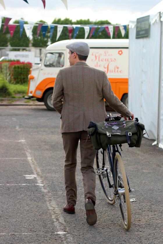 sebastien klein, tweed, cycle style, fashion bike, bike fashion, bike chic, bike style, cycle chic, vintage bike ride, anjou velo vintage, vintage, vintage style, vintage fashion, france, french style, outfit ideas
