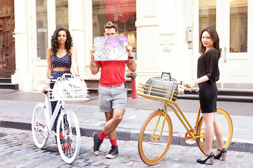 bike pretty, bikepretty, pretty bike, girls on bikes, cycle style, fashion bike, bike fashion, bike chic, bike style, cycle chic, martone, melissa, melissa shoes, martone cycling co, new york, be melissa, galeria melissa, biking in heels