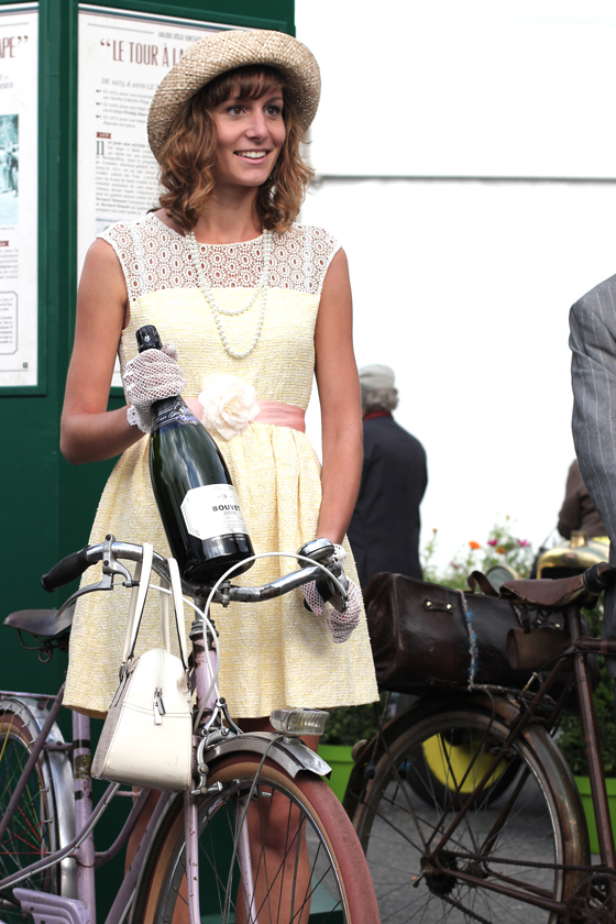 anjou velo vintage, vintage style, bike girl, blonde girls, vintage style pageant, elegant lady, bike pretty, bikepretty, pretty bike, cycle style, fashion bike, bike fashion, bike chic, bike style, cycle chic, outfit ideas