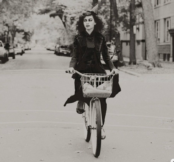 witch, halloween bike, halloween costume ideas, bike friendly halloween costume, halloween costume bike, happy halloween by bike, happy halloween, bike pretty, bikepretty, pretty bike, cycle style, fashion bike, bike fashion, bike chic, bike style, cycle chic, outfit ideas