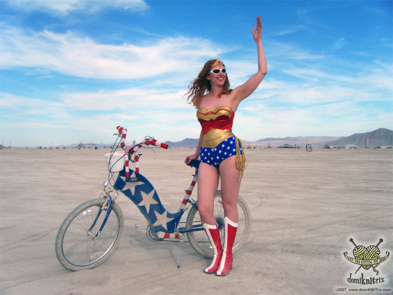 wonder woman costume, halloween bike, halloween costume ideas, bike friendly halloween costume, halloween costume bike, happy halloween by bike, happy halloween, bike pretty, bikepretty, pretty bike, cycle style, fashion bike, bike fashion, bike chic, bike style, cycle chic, outfit ideas