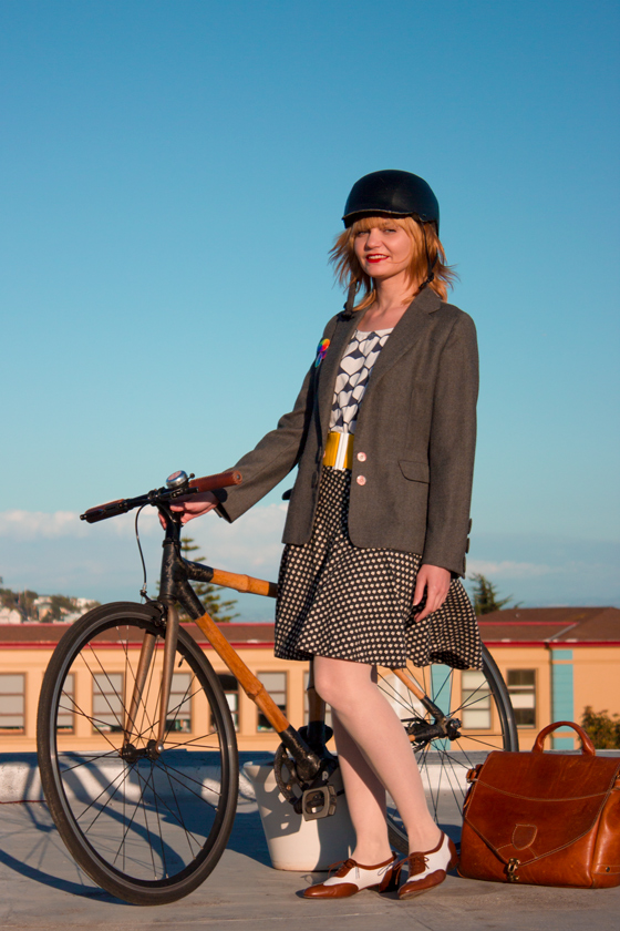 bike fashion, outfit ideas, autumn, fall, english style, vintage style, bike pretty, bikepretty, pretty bike, cycle style, fashion bike, bike chic, bike style, cycle chic, bike skirt, bike in a skirt, cute helmet