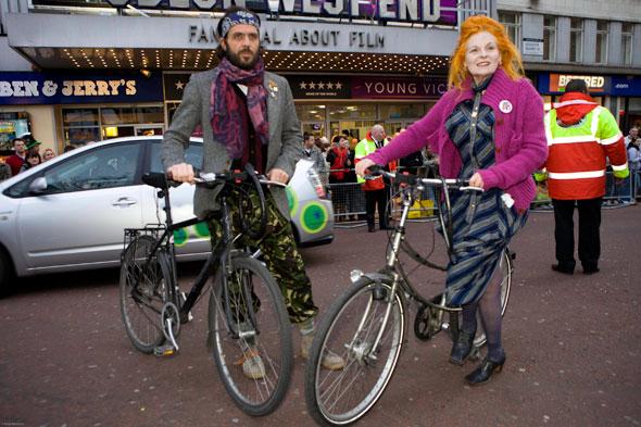 Vivienne-Westwood-Bike-Pretty-Cycle-Fashion201402289