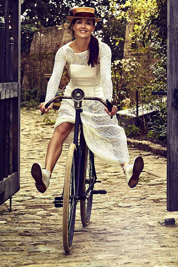 Victoria-Pendleton-London-Evening-Standard-21-March-2014-bike-fashion-bike-pretty-photo-Rupert-Peace-2