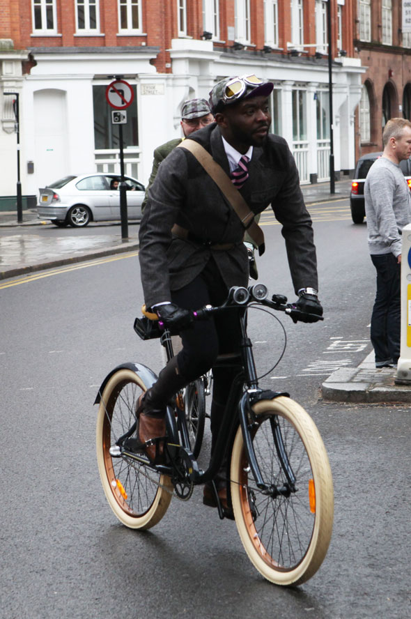 Tweed-Run-2013-London-Marshal-Team-photos-Kelly-Miller-8 (1)