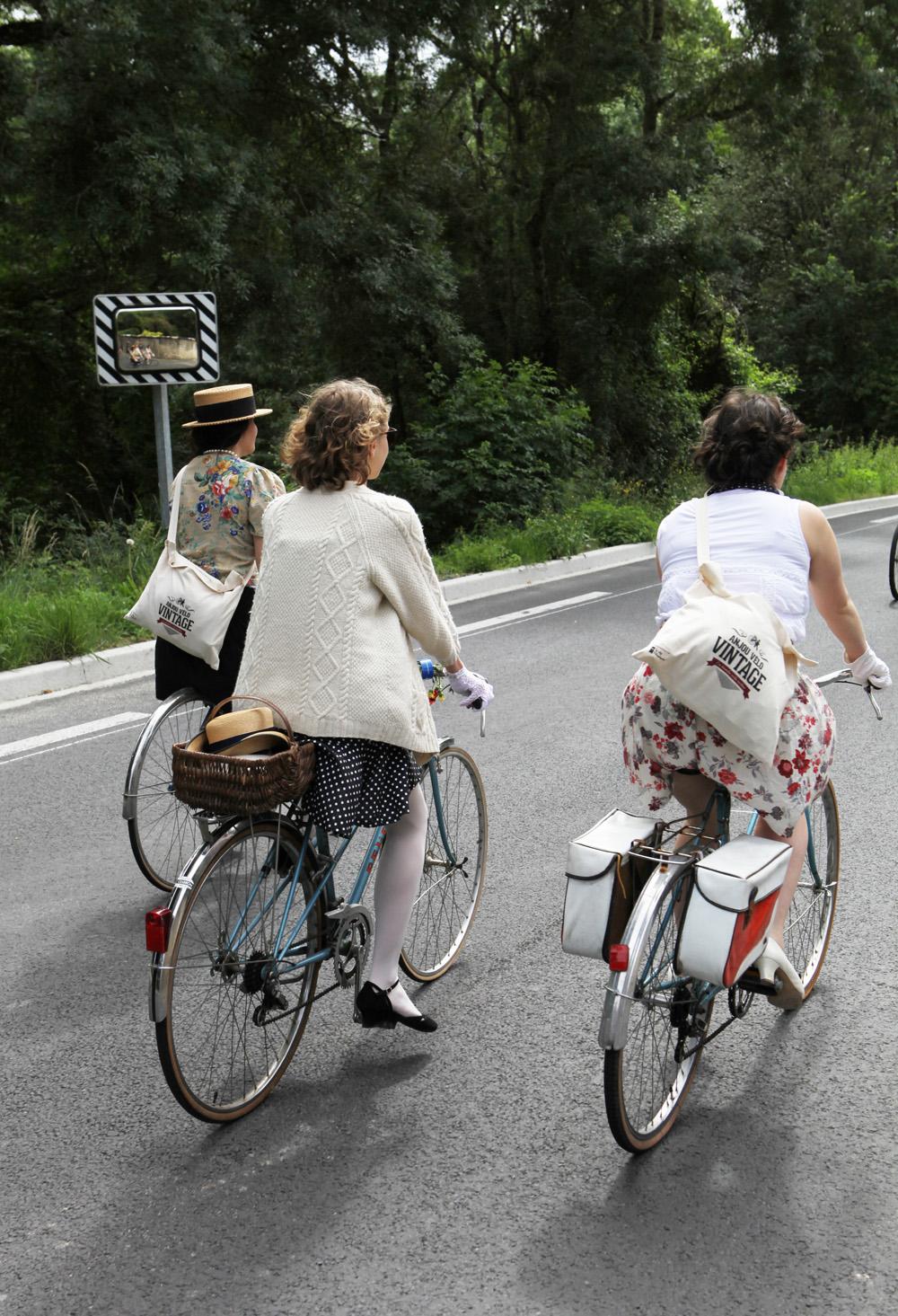 Anjou-Velo-Vintage-Saumur-France-Bike-Fashion-Bike-Pretty-Photos-Kelly-Miller-9