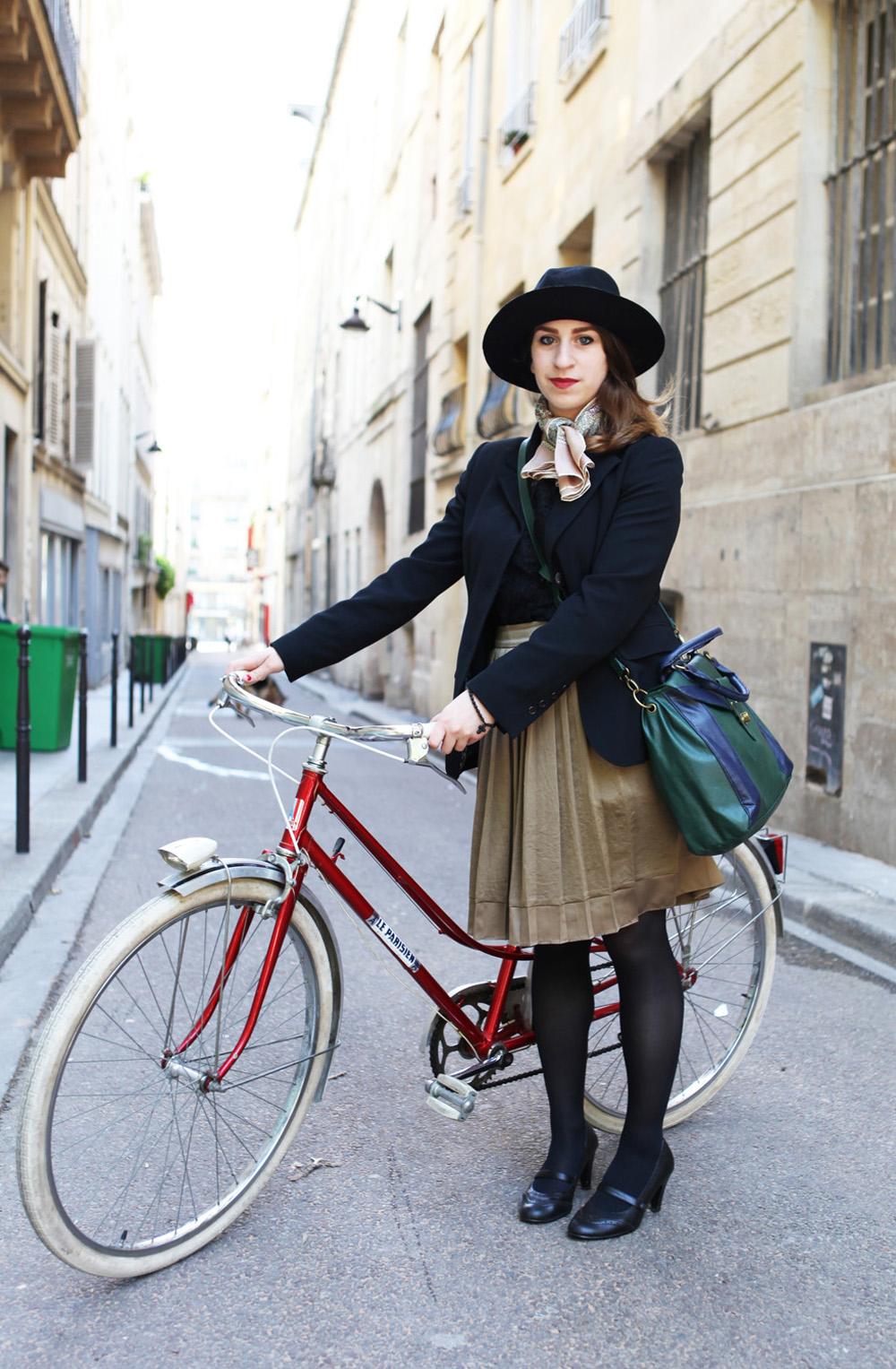 Beret-Baguette-Paris-Bike-Pretty-Bike-Fashion-Photo-Kelly-Miller-6