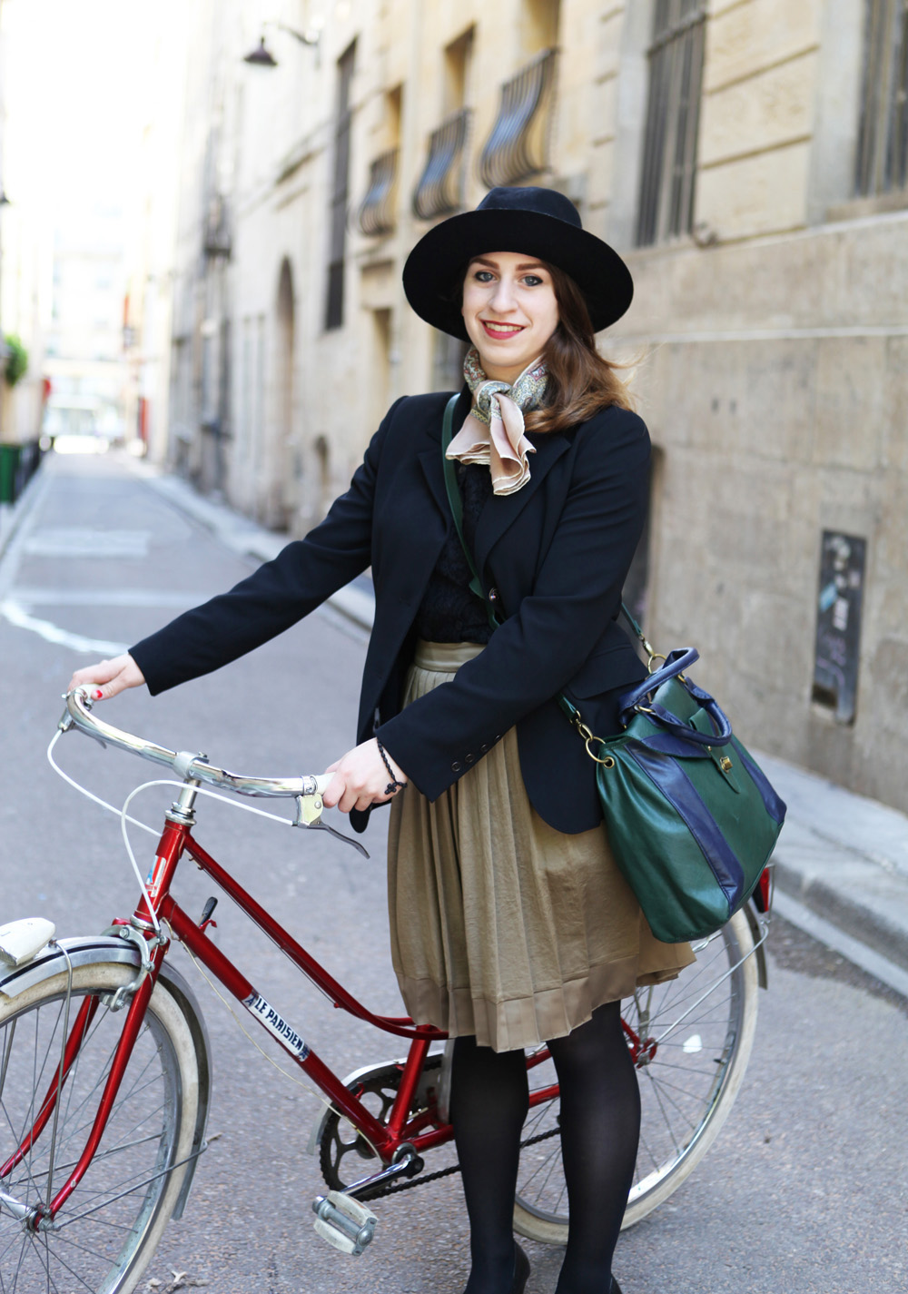 beret baguette street style paris bike pretty. Black Bedroom Furniture Sets. Home Design Ideas