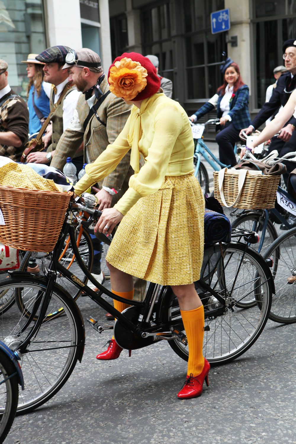 Tweed-Run-London-2014-Bike-Pretty-Most-Dashing-Dame-Bike-Fashion-Photo-Kelly-Miller-5