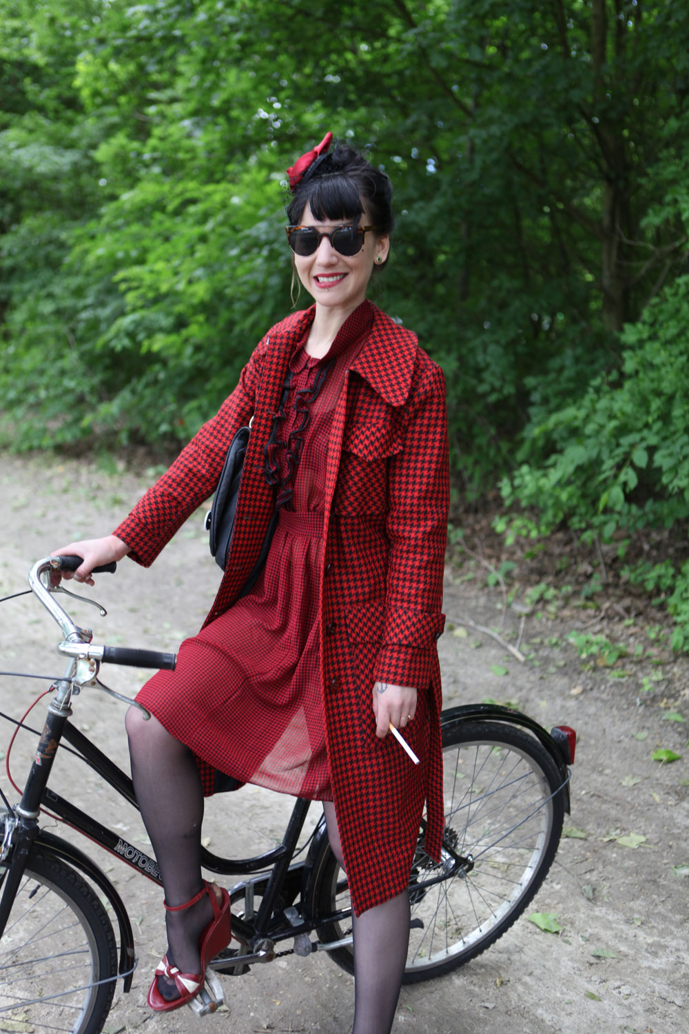 beret-baguette-paris-bike-pretty-street-style-bike-fashion-photo-Kelly-Miller-17
