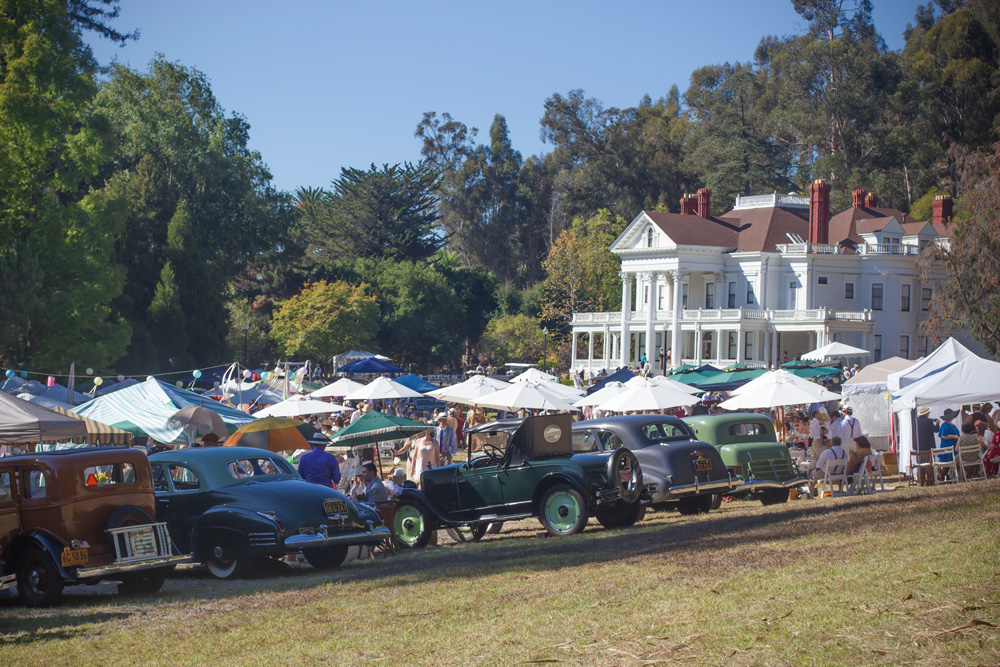 ONLY VINTAGE CARS ALLOWED ON THE LAWN!