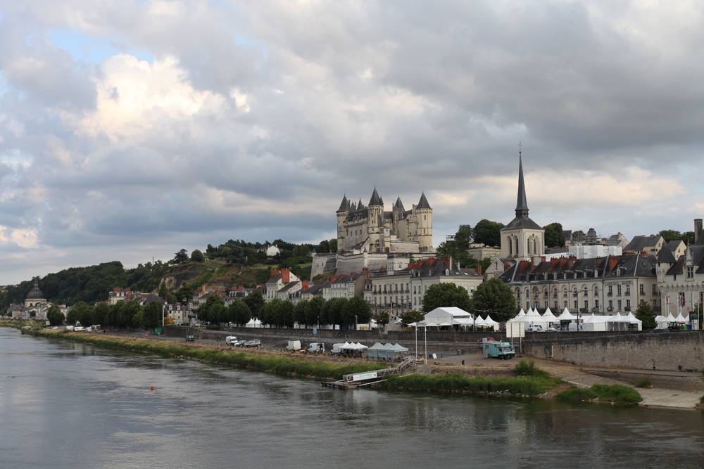 This actually exists.  The picturesque town of Saumur, host to Anjou Vélo Vintage from 2011-2014.