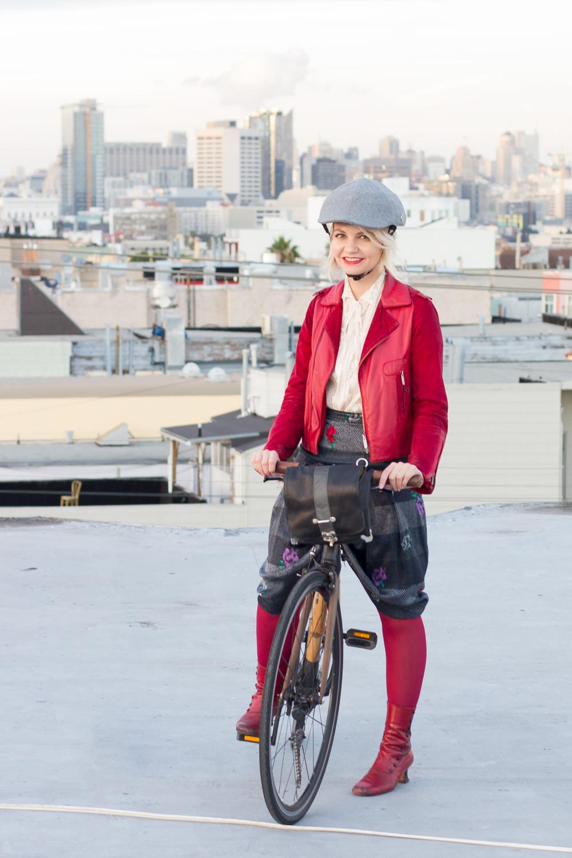 cycle-chic-helmet-bike-pretty-bike-style.jpg