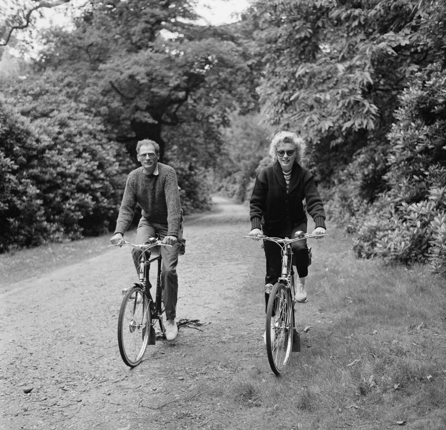 Marilyn Monroe and Arthur Miller ride through Windsor Park on August 13, 1956.
