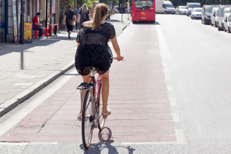 what-to-wear-biking-in-a-skirt-london-bike-girl-560x3731.jpg