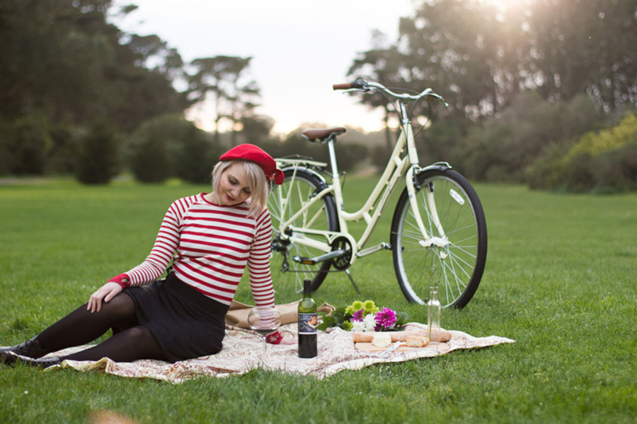 Our mini-version of the Béret Baguette ride in Golden Gate Park. Striped Jersey by Ligne 8. Black Bike Skirt (and Bloomers) by Bikie Girl Bloomers.