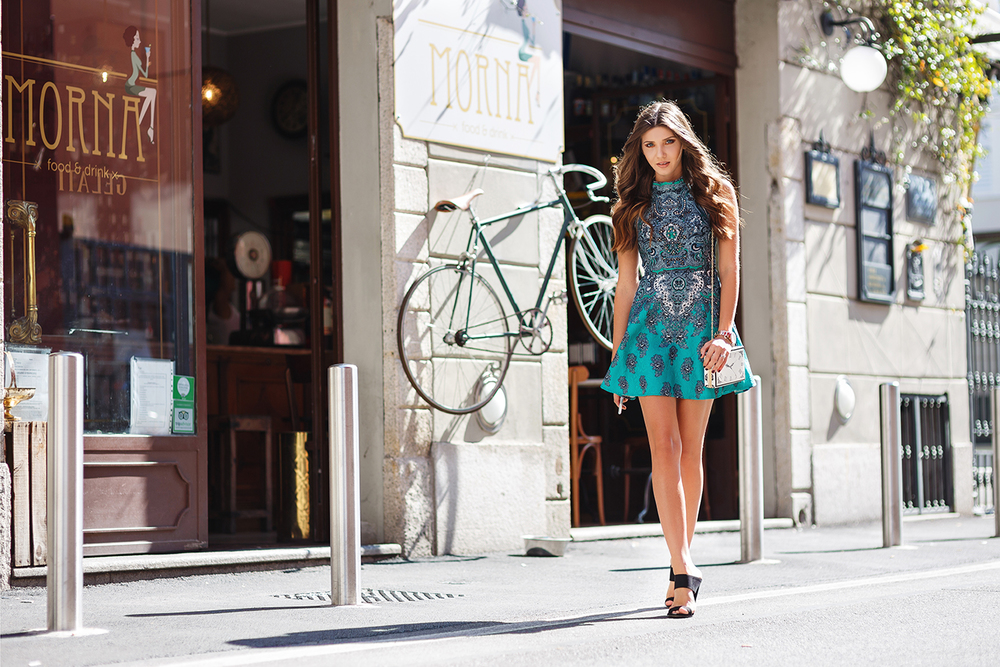 Style blogger Larisa Costea knows that the best complement to a cute dress is a matching bike.