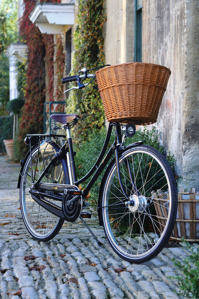 Pashley-Lifestyle-Bike-Front.jpg