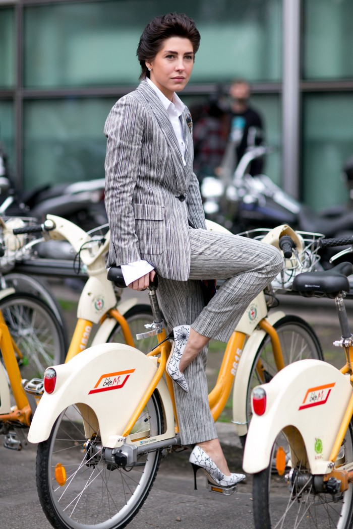 Striking a pose in style on the iconic Milan Bike Shares is now de rigueur. Consider yourself advised next time you find yourself in Italy's fashion capital