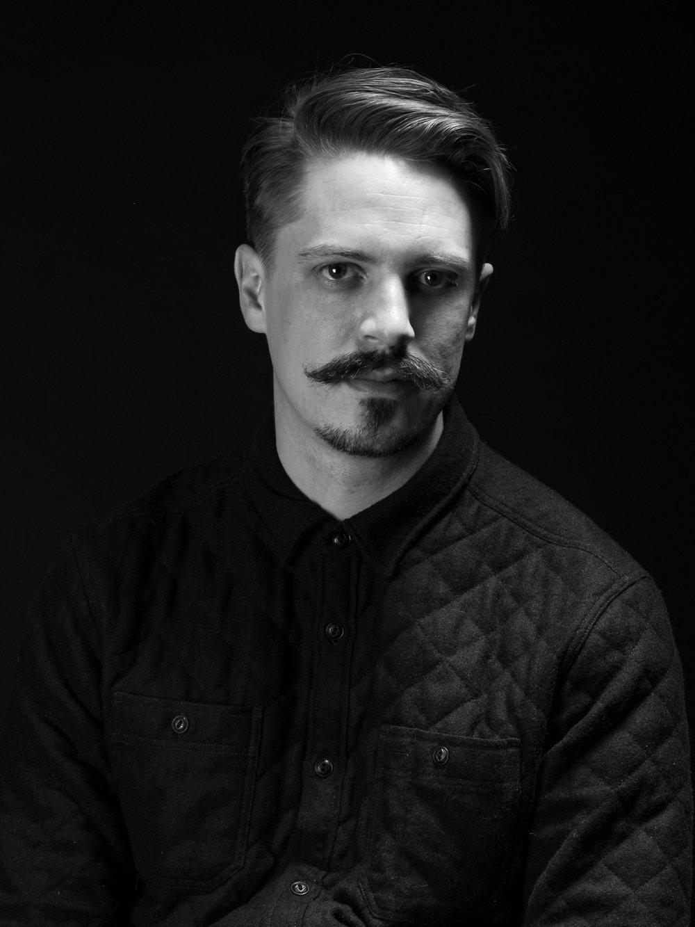 CALEB SIMMONS - ILLUSTRATOR & DESIGNER