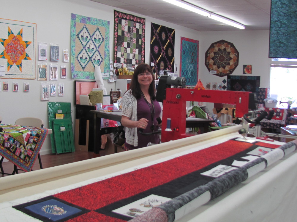 Award winning, long arm quilting expert, Roz Heller