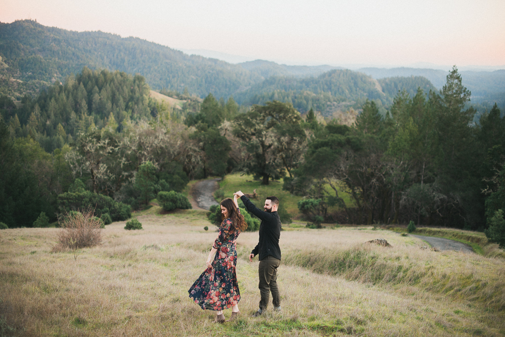 portfolio - engagement - Northern California Wedding photographer - Couple in Armstrong Woods