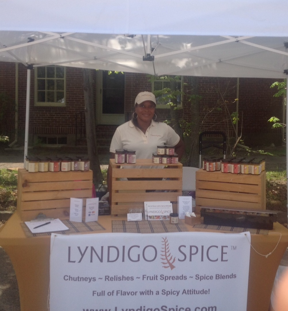 Market Ready!    I am so happy to announce that we will be selling our products at Wellesley, Needham and Roslindale Farmer's Markets.  Please stop by and stock up on some chutneys, relishes, spice rub and more!