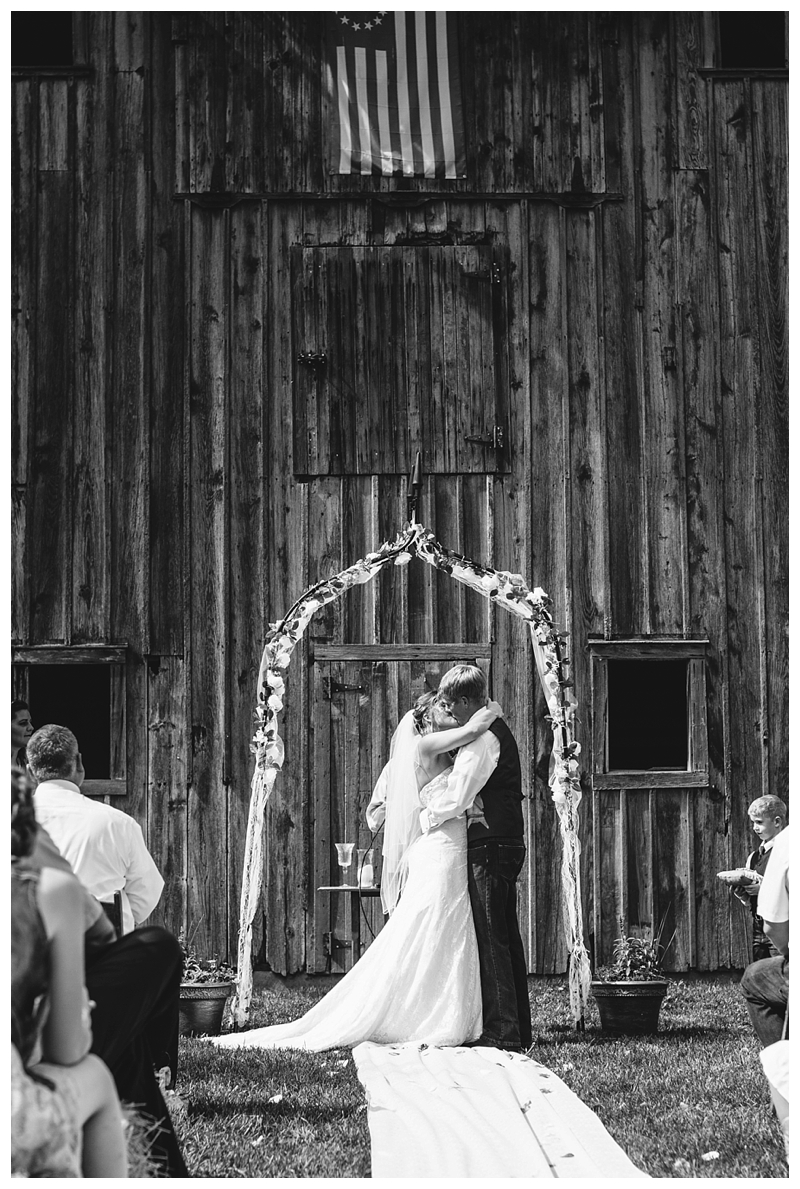 Farm_Wedding_Indiana_Destination_PattengalePhotography_Selah&Travis_0417.jpg