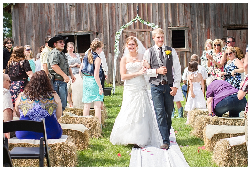Farm_Wedding_Indiana_Destination_PattengalePhotography_Selah&Travis_0419.jpg