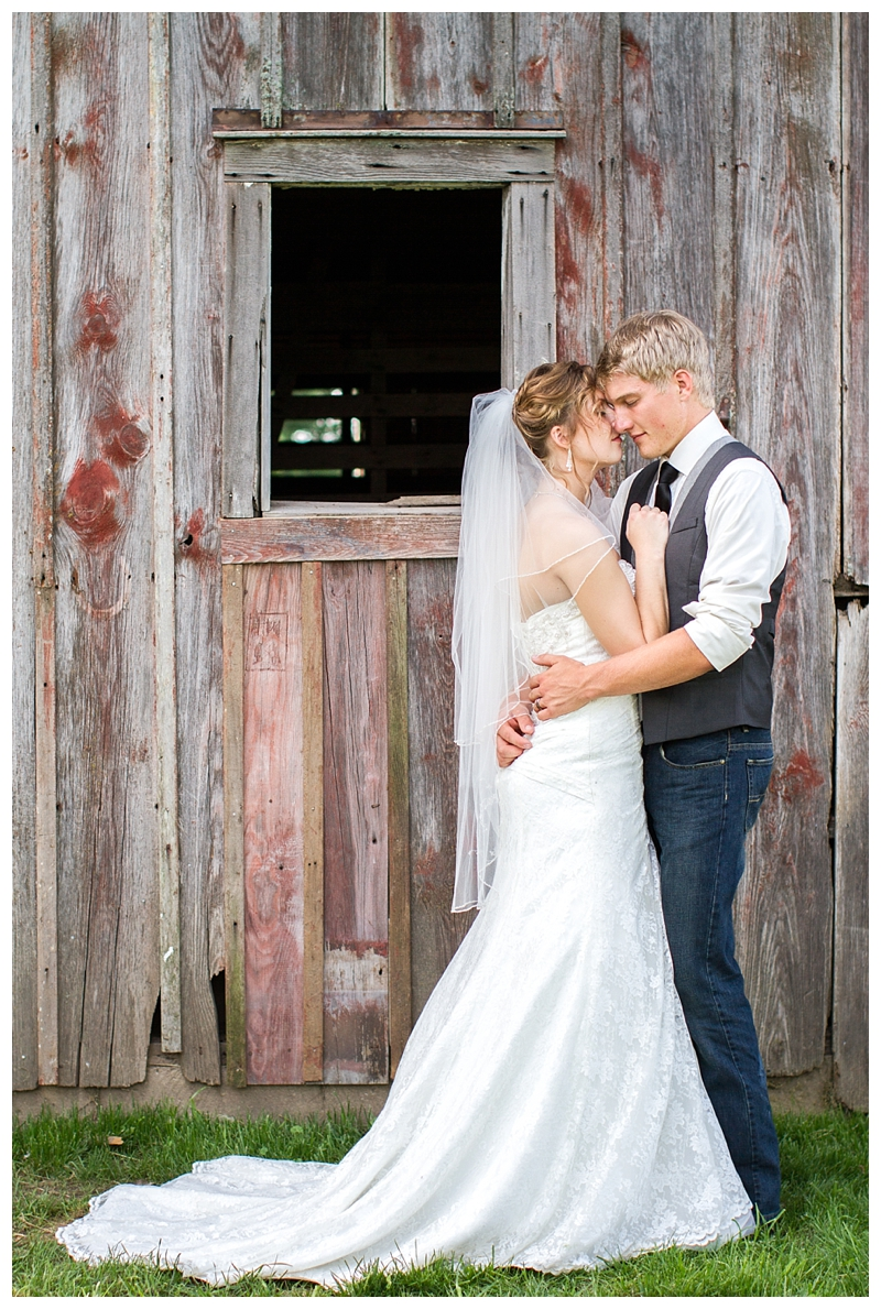 Farm_Wedding_Indiana_Destination_PattengalePhotography_Selah&Travis_0435.jpg