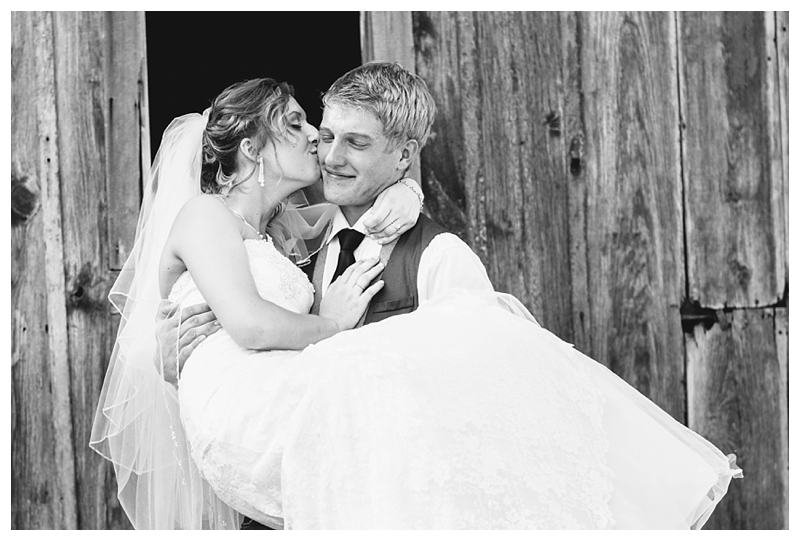 Farm_Wedding_Indiana_Destination_PattengalePhotography_Selah&Travis_0436.jpg