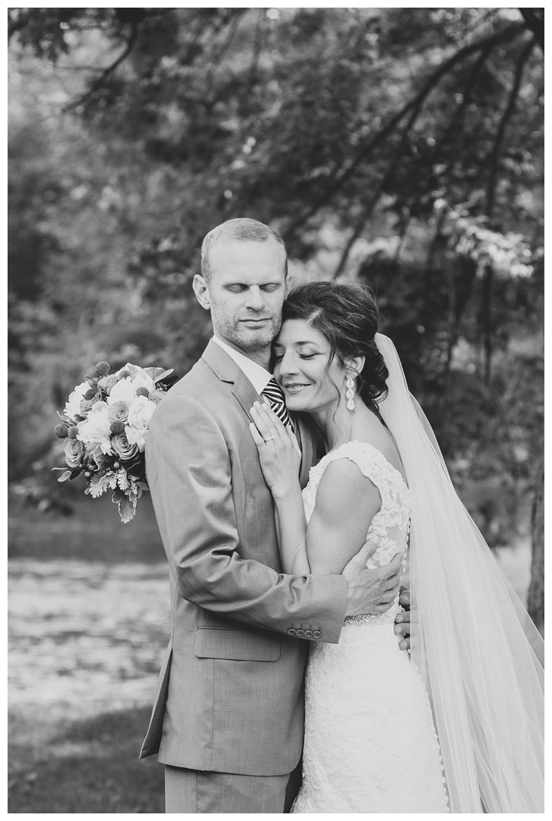 WeddingPhotographer_Destination_Summer_Outdoor_Michigan_PattengalePhotography_Kevin&Rachel_0589.jpg