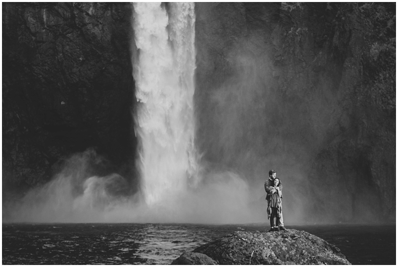 PNW_SnowqualmieFalls_Washington_Waterfall_Traveling_Photographer_Couple_Authentic_folk_love_PattengalePhotography_1314.jpg