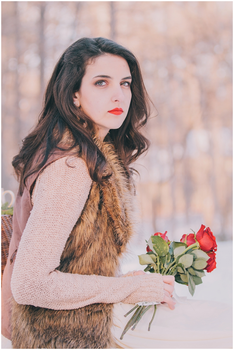 Styled_Snow_Shoot_Winter_Portraits_Women'sFashion_Cocoa_Romantic_FurVest_Richmond_Virginia_PattengalePhotography_1601.jpg