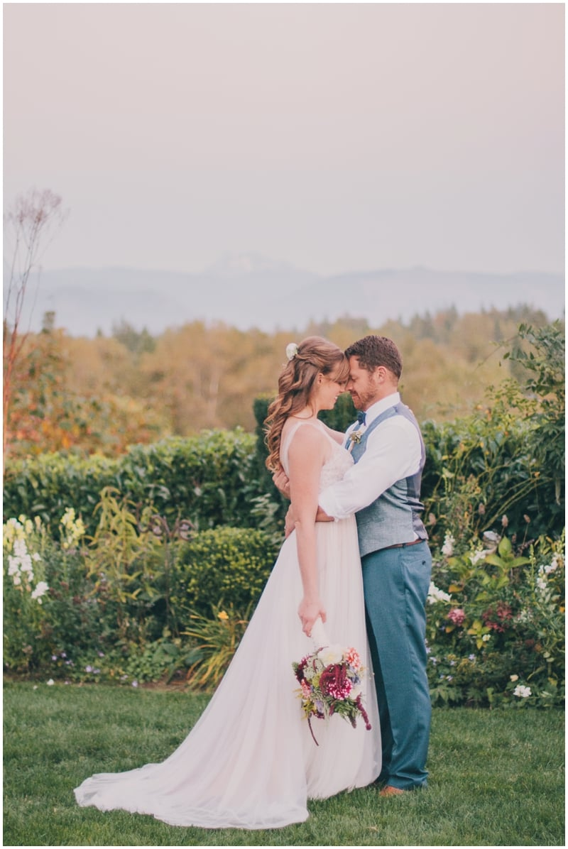 DestinationWedding_TravelingPhotographer_Seattle_Washington_Wild_Rose_Garden_wedding_Nate&Amy_PattengalePhotography_1797.jpg